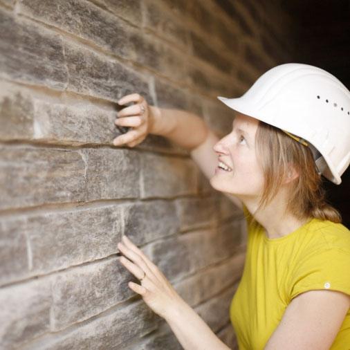 Steeds meer hoger geschoolde vrouwen vinden hun weg naar de bouw